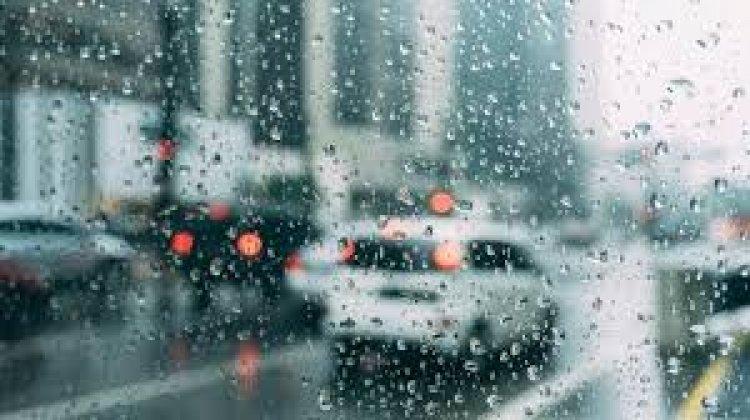 Az eső mellett erős széllökések is kellemetlenné tehetik a napunkat