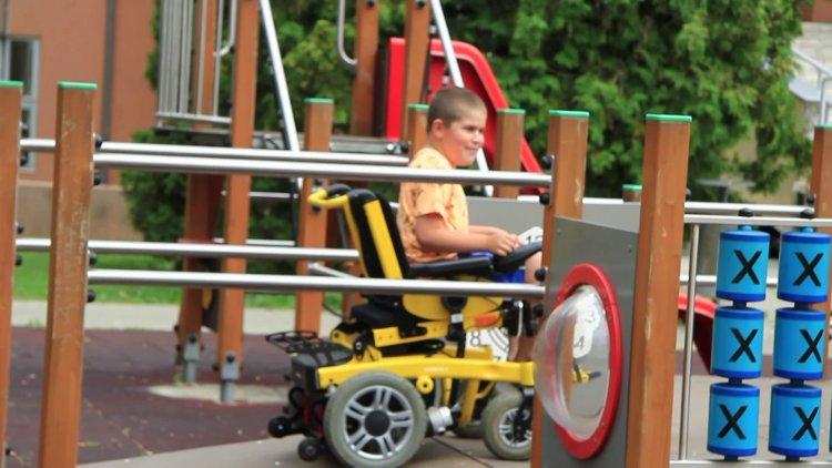 A kórház gyermekrészlegének alapítványa 2 milliós támogatást nyert a MOL Programjában