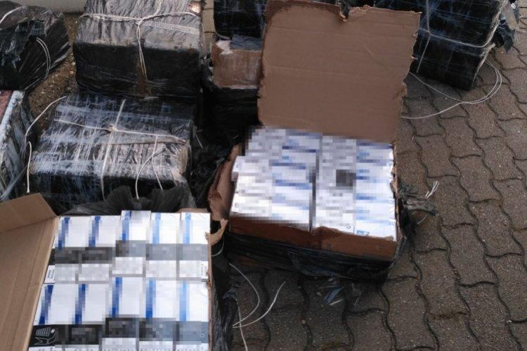 Közel tízmillió forint értékű csempészett cigaretta