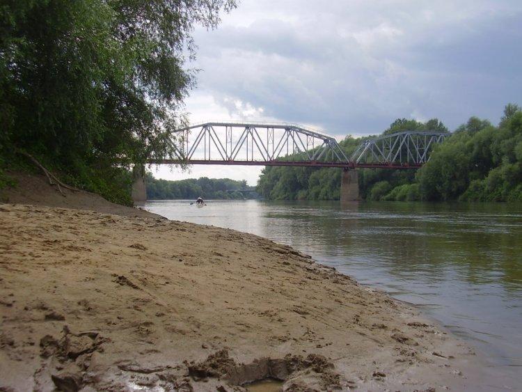 Állapotfelmérés a záhonyi Tisza-határhídnál: ideiglenes forgalomkorlátozások várhatóak