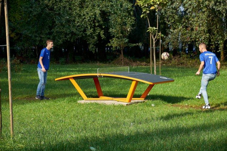 Teq One asztal a játszótereken – Magyar fejlesztésű sporteszközök Nyíregyházán