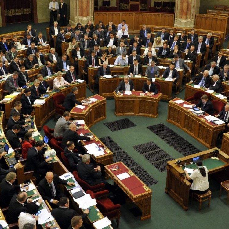 A hitelmoratórium meghosszabbításáról szavaz az Országgyűlés