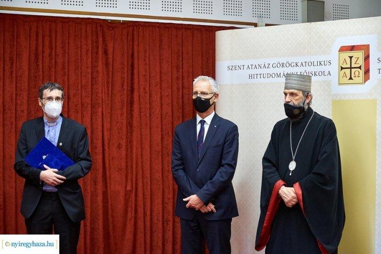 Rangos elismerés – Fraknói Vilmos-díjban részesült Katona István és Véghseő Tamás