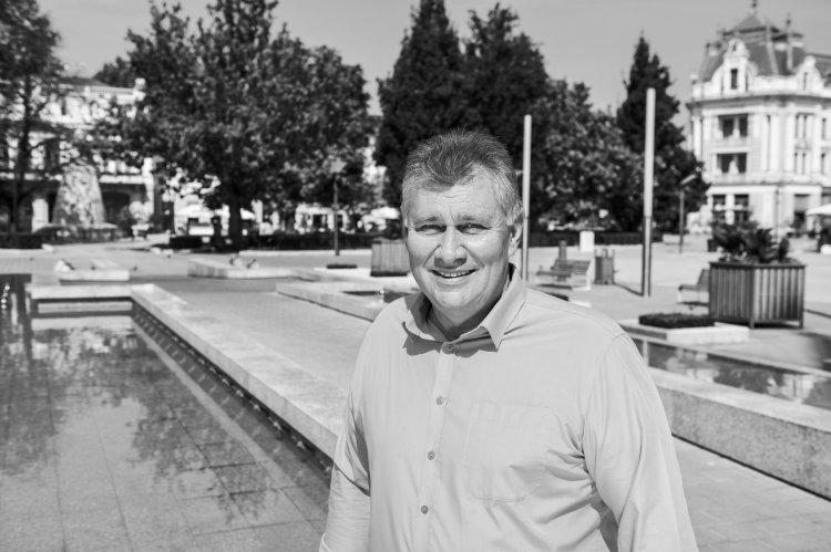 November 11-én, a nyíregyházi Északi temetőben búcsúznak Dr. Adorján Gusztávtól