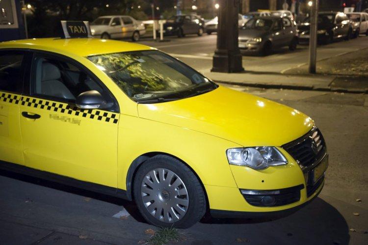 ITM: meghosszabbodik a taxisok autócseréjének határideje