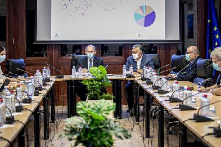 Orbán Viktor részvételével ülésezett az operatív törzs