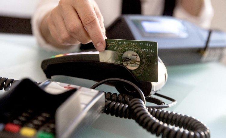 Fél évig maradhat a Szép-kártyák kedvező adózása, ha a parlament megszavazza a javaslatot