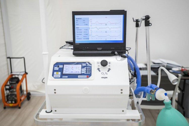 Életmentő lehet a non-invazív lélegeztetőgépek használata