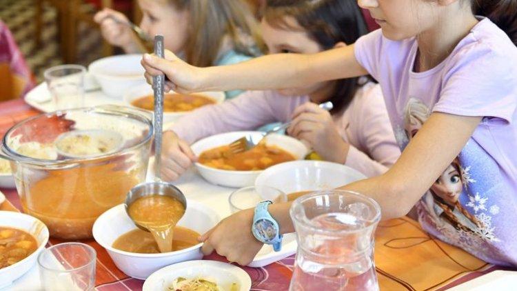 Ősszel is megoldja az önkormányzat a hátrányos helyzetű gyermekek étkeztetését