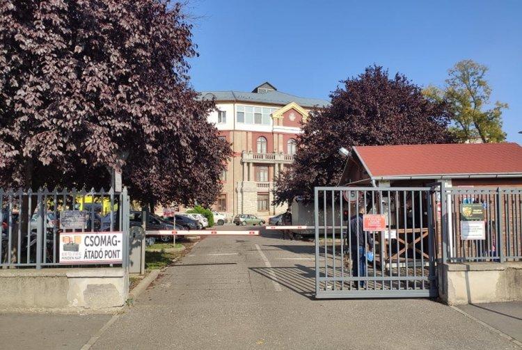 Megváltozott a csomagleadás helye a Jósa András Oktatókórházban