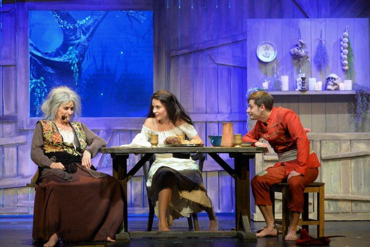 Bemutatkozott Szaffi a Móricz Zsigmond Színház nagyszínpadán!