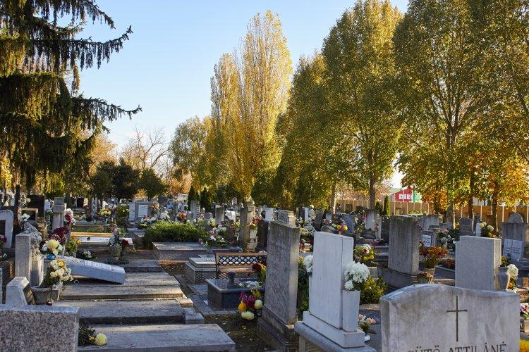 Csak november közepén téliesítik a vízvételi helyeket a temetőkben