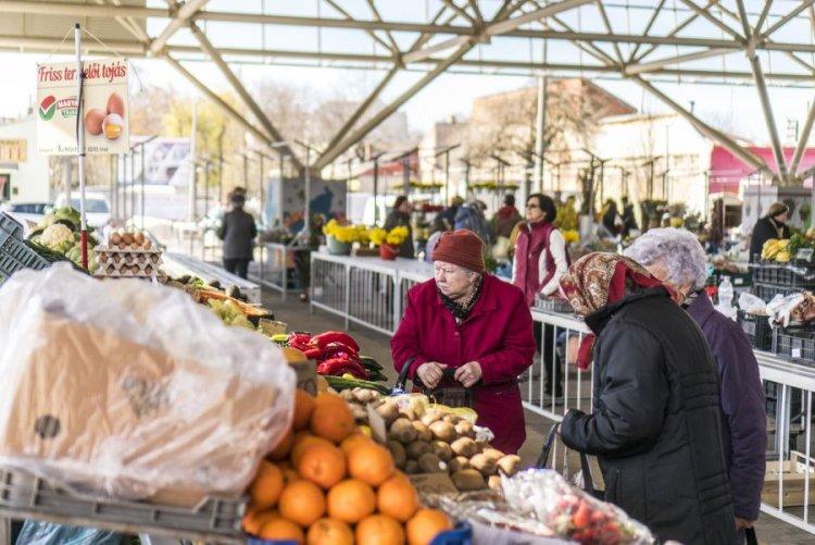 Kötelező lesz a maszkhasználat a nyíregyházi piacokon