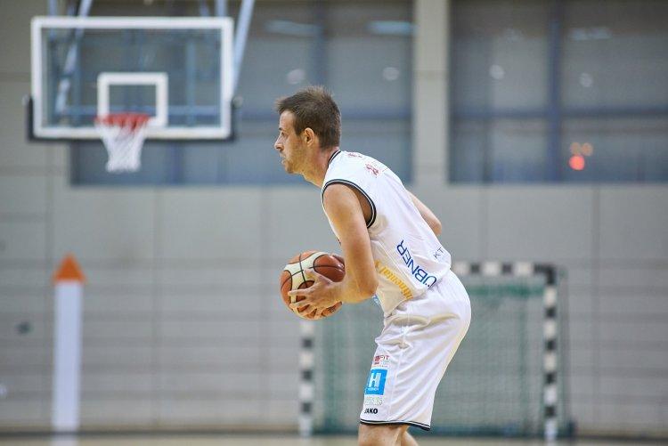 Győzelem Veszprémben - Hatodik bajnokiját is megnyerte a kosárcsapat