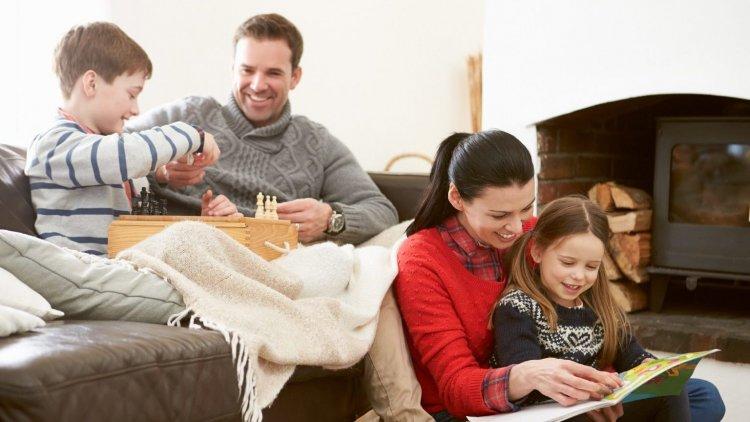 A közjegyzők sem nyerészkedhetnek többé a családokon - Maximálni fogja a kormány a díjakat