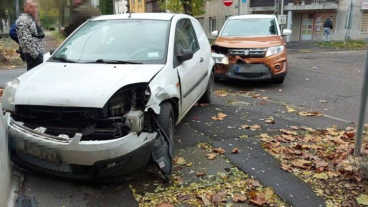 Figyelmen kívül hagyta a stoptáblát, balesetet okozott
