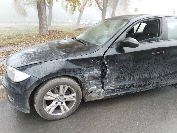 Súlyos baleset történt reggel a Tünde utcán, teljes útlezárás mellett helyszíneltek
