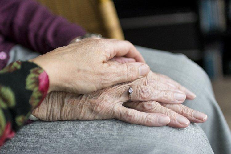 Szerdától utalja az emelt összegű nyugdíjakat az államkincstár