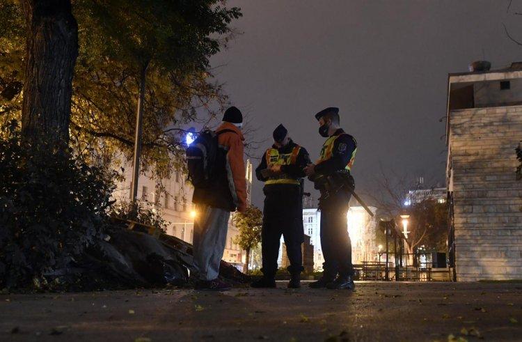 273 emberrel szemben intézkedtek a rendőrök a kijárási tilalom megsértése miatt