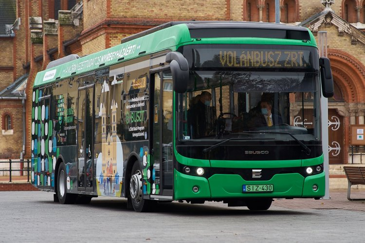 Elstartolt Nyíregyházán a Zöld Busz Mintaprojekt – Szombattól járja az utakat a zöld busz