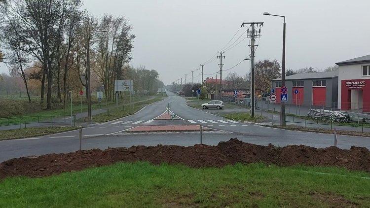 Megkezdődött a körforgalom szélesítése a Fokos utca és Szélsőbokori úti csomópontban
