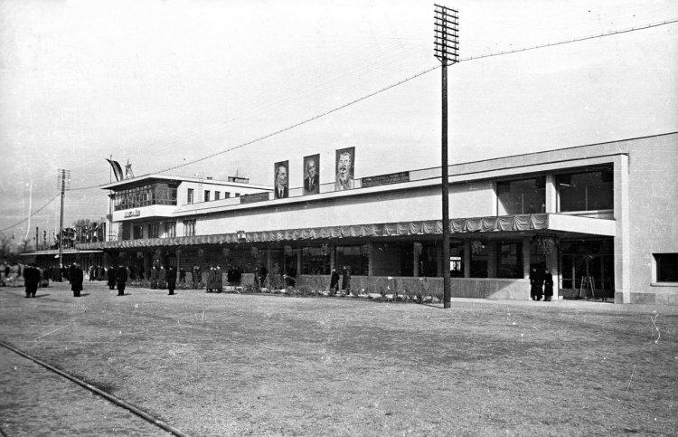 Hetven éve adták át a vasútállomás új felvételi épületét
