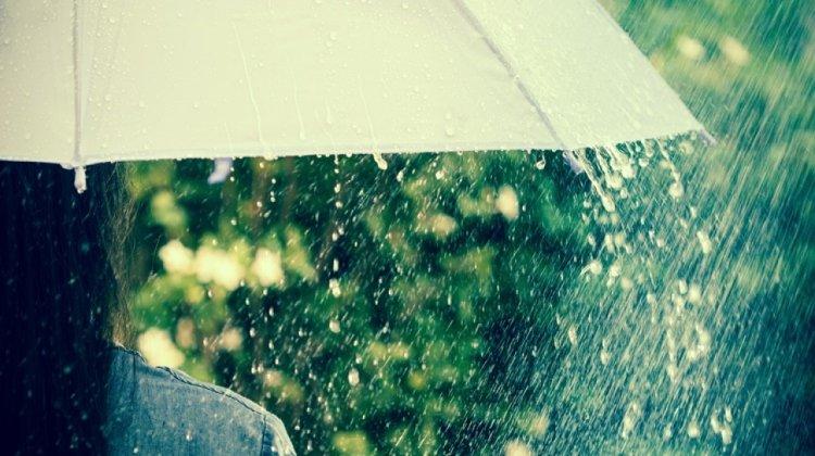 Ma mindenképp legyen nálunk esernyő, erősen felhős, borult lesz az ég, többfelé eshet