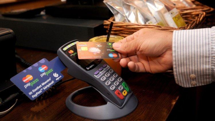 Jövőre is fizethetünk kényelmesen - 15 ezer forintig nem kell PIN-kód