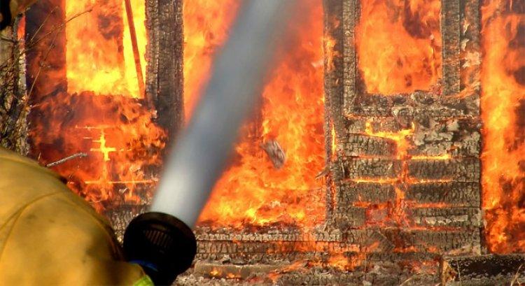 Melléképület égett Nyírtelek-Görögszálláson, a szomszédok kimenekítették a baromfikat