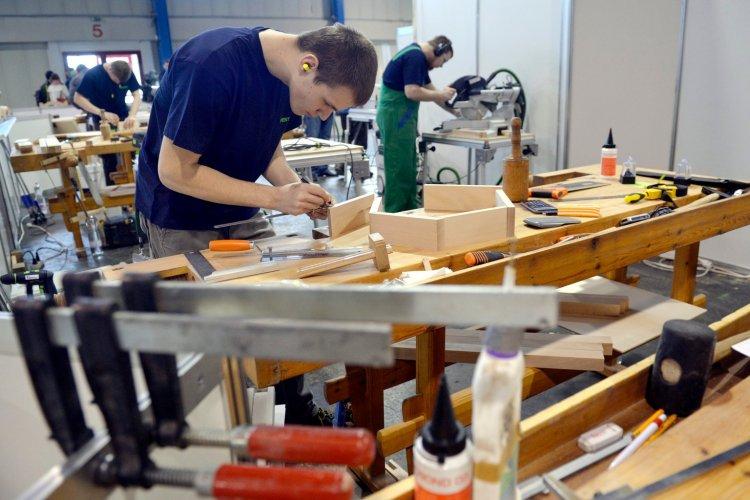 Évről-évre egyre kevesebben dolgoznak minimálbérért