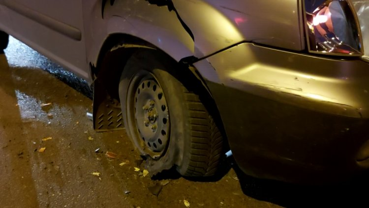 Baleset történt csütörtökön a Kígyó utcán, személyi sérülés nem történt