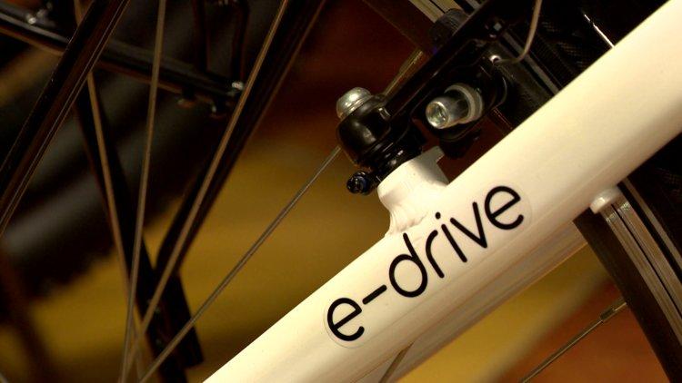 Támogatás elektromos biciklire – 150 ezer forintos anyagi segítség magánszemélyeknek