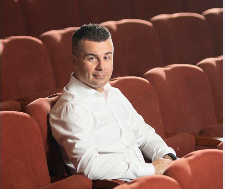 A Móricz-(F)Actortól az évadtervezésig – Interjú Kirják Róberttel