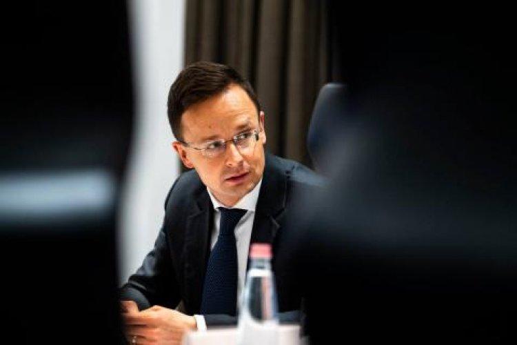 Szijjártó: újabb 61 milliárd forintos támogatást kaphatnak a cégek fejlesztésekre