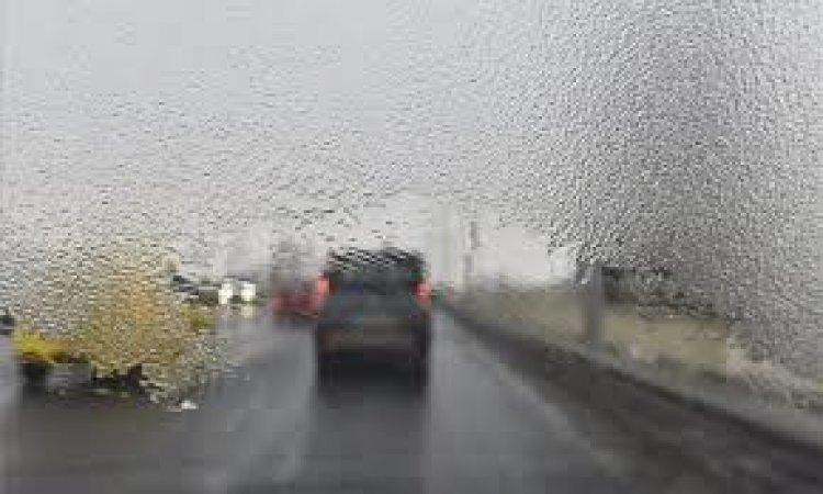 Nemcsak a köd, az ónos eső is nehezíti a napunk