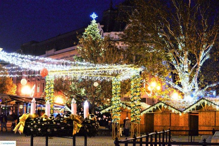 Varázslat! Képeken Nyíregyháza ünnepi fényei! 3 hét és Karácsony!