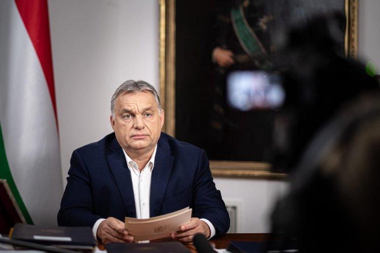Orbán Viktor: Január 11-ig marad a kijárási tilalom