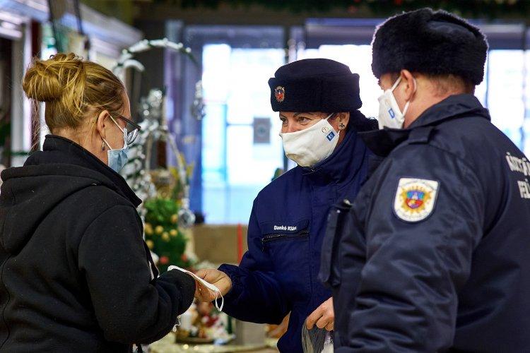 A nyíregyháziak szabálykövetőek – A Búza téri piacon és a Korzónál ellenőriztek