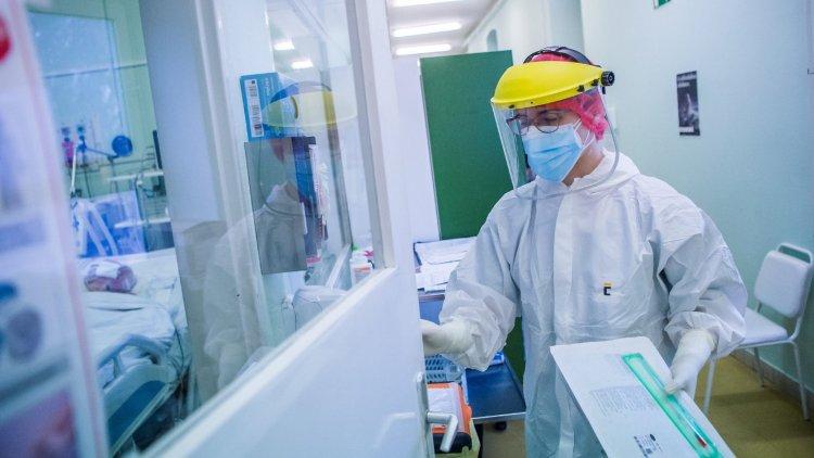 A közigazgatási ügyintézőknél a legalacsonyabb a fertőzés aránya