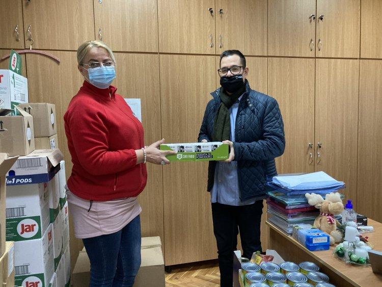 Mozaik Med adomány átadás a Magyar Vöröskereszt részére