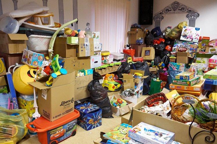 Befejeződött az adománygyűjtés – Soha nem látott összefogással gyűltek össze a csomagok