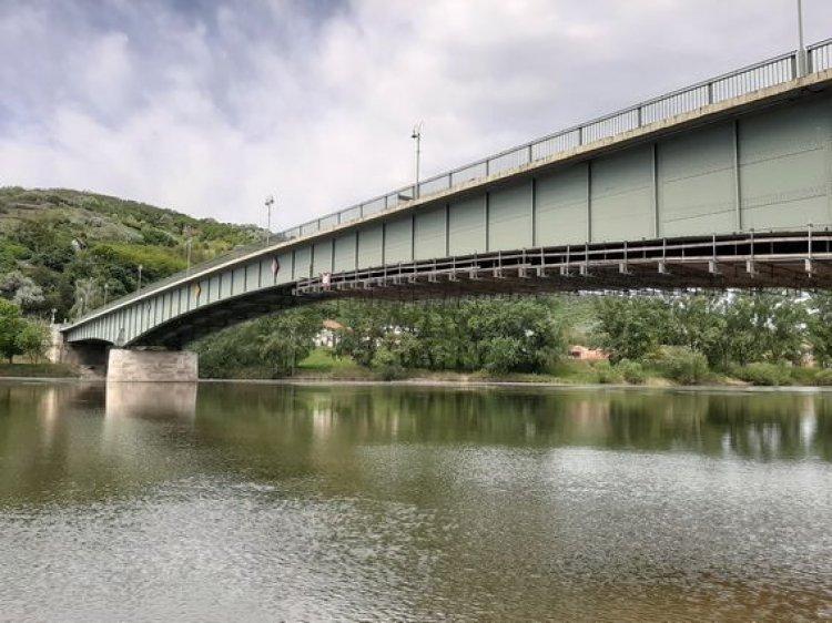 A megbontott szakasz felújítási munkálatai elkészültek a tokaji Tisza-hídon