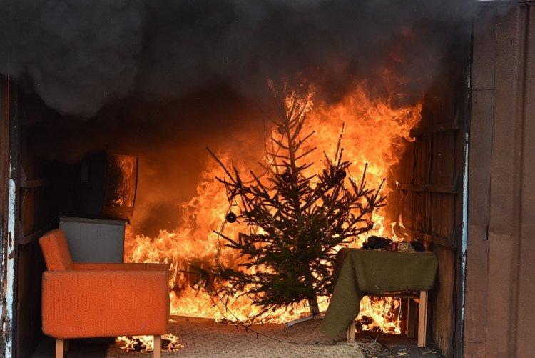 Jelentős megnő a lakástüzek száma az ünnepi időszakban, megyénkben is