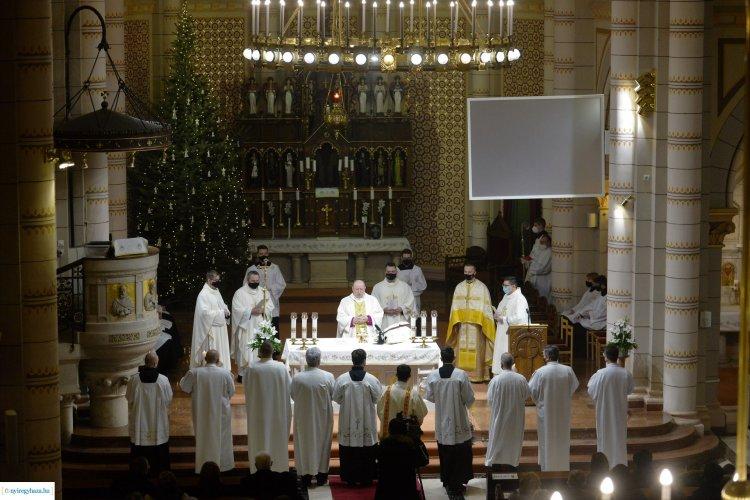 Ünnepi szentmise! Beiktatták a társszékesegyház új plébánosát!