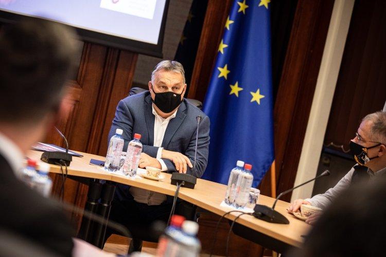 Az operatív törzs ülésén kezdte a hetet Orbán Viktor