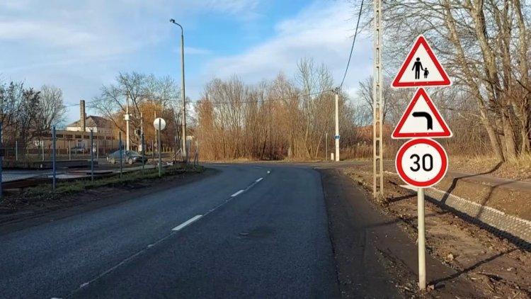 Továbbra is érvényben van a 30 km/órás sebességkorlátozás az Orgona utcán