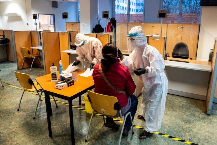 Folyamatosan zajlik a köznevelési intézményekben dolgozók tesztelése