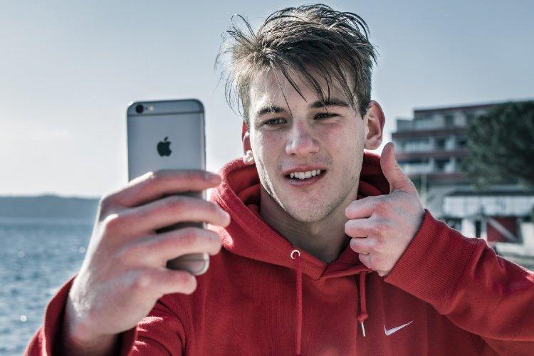 Volt gomb, nincs gomb – Így írta át a mobiltelefonok történelmét az iPhone