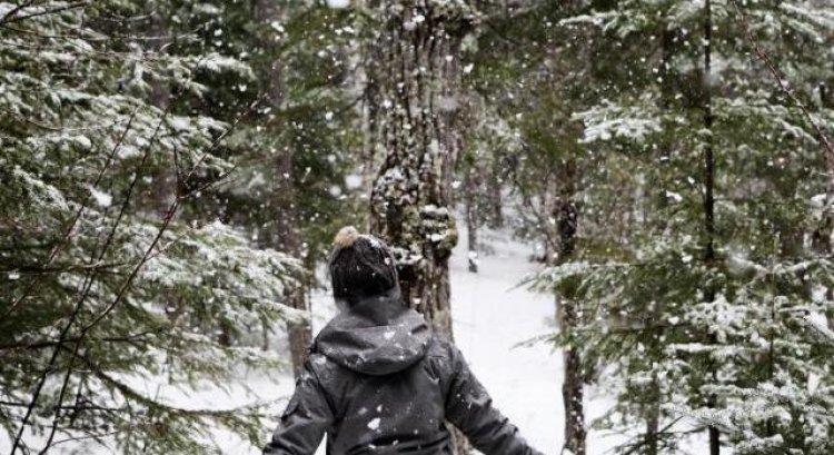 Csak az ország egyik felének kell tartania a havazástól