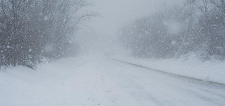Öt centi hó, viharos szél, ónos eső – marad a télies időjárás